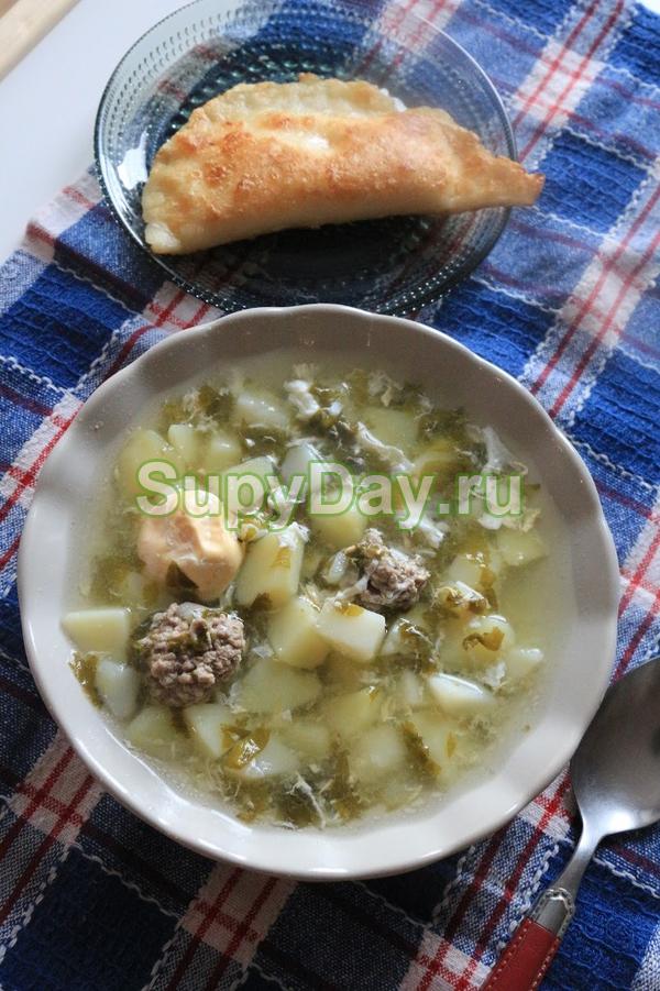 Суп из щавеля с яйцом и фрикадельками