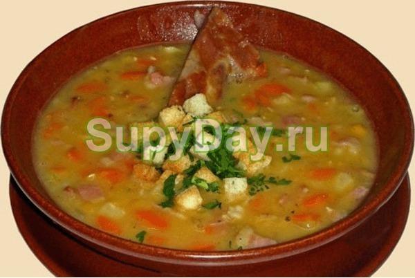 Гороховый суп с копченой колбасой и болгарским перцем