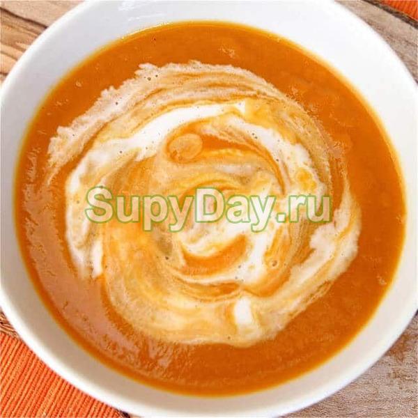 Суп-пюре из цветной капусты и зеленой спаржи