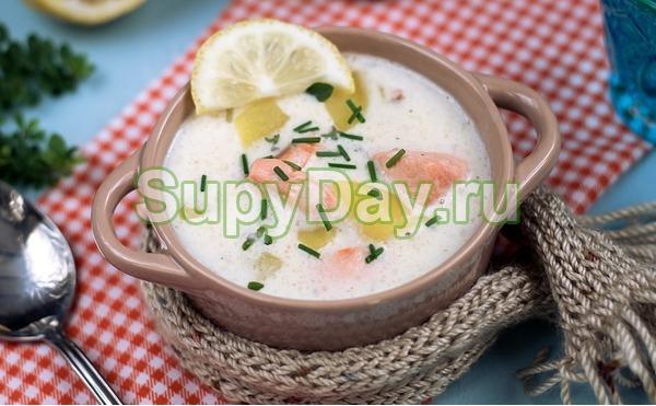 Сырный суп с семгой и лимоном