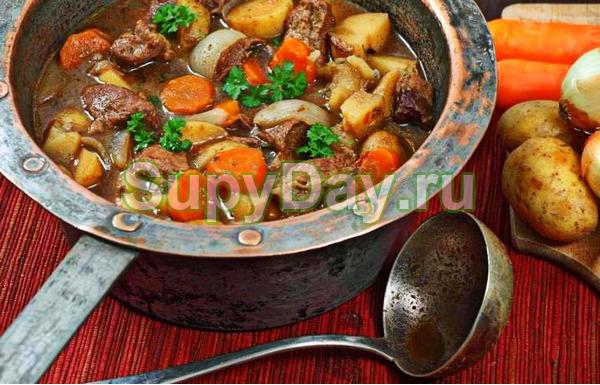 Суп - гуляш со свининой и картофелем