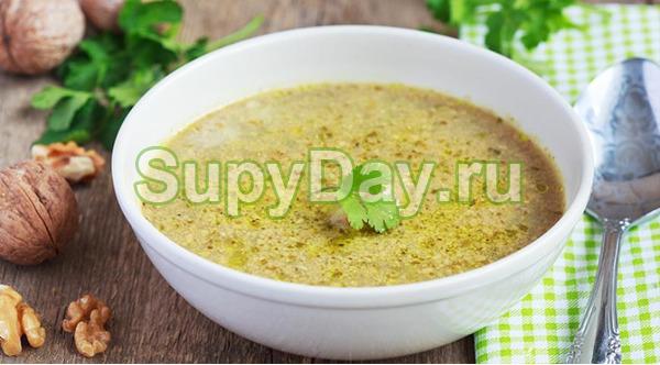 Суп харчо с зеленым ткемали