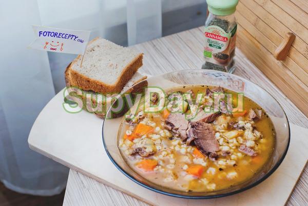 Суп с перловкой на курином бульоне