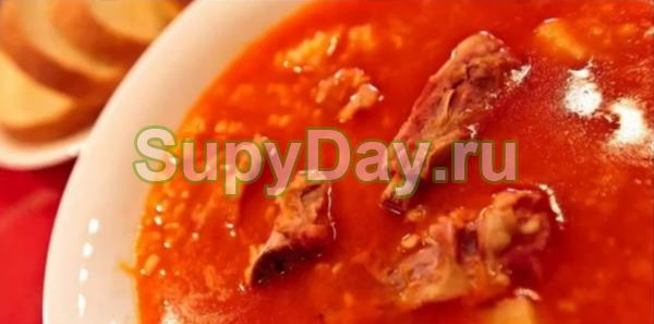 Классический фасолевый суп с копчеными рёбрами